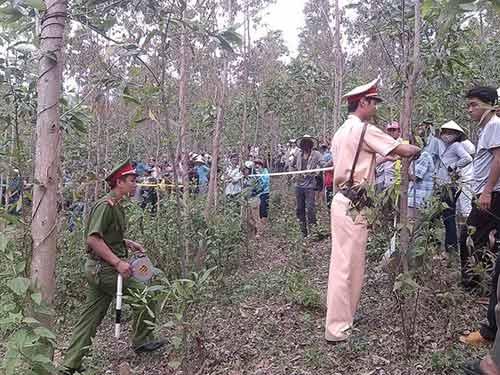 Phát hiện thi thể nữ sinh bị phân hủy trong rừng - 2