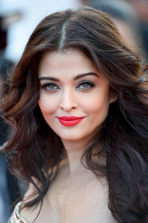 10 nữ hoàng sắc đẹp thành công trong nghiệp diễn - 12