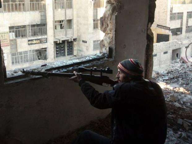 Bị vây khốn từ 3 phía, quân nổi dậy Syria cầu cứu Mỹ - 1