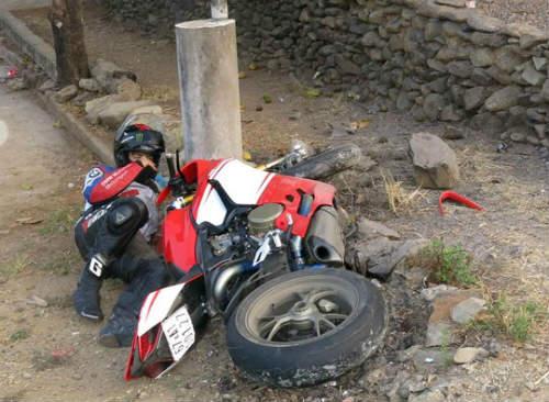 VĐV mô tô tử nạn khi bảo vệ đoàn đua ở Đồng Nai - 2