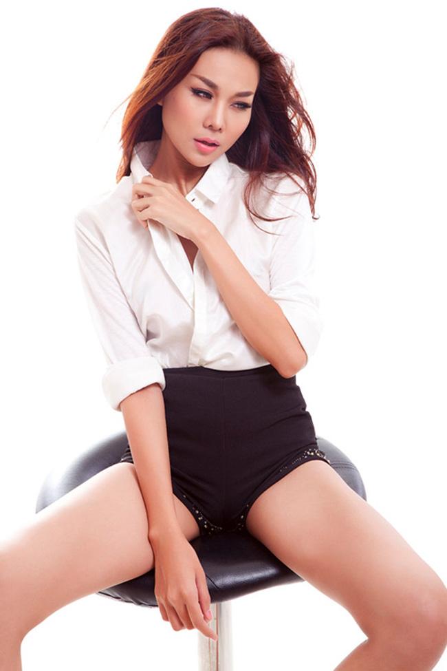 """Thanh Hằng, tên thật Phạm ThịThanh Hằng sinh năm 1983, năm nay đã bước sang tuổi 32 song người đẹp vẫn """"hờ hững"""" với đám cưới"""