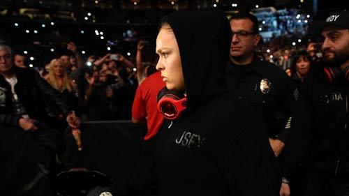 UFC: 14 giây, hoa khôi Rousey hạ gục Zingano - 1