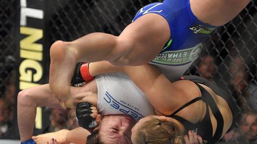 UFC: 14 giây, hoa khôi Rousey hạ gục Zingano - 2