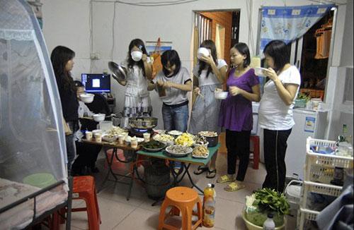 Ảnh: Cuộc sống của các lao động xa quê ở Trung Quốc - 10