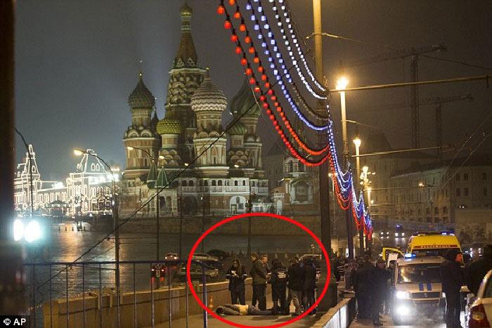 Lộ video quay cảnh ám sát cựu phó thủ tướng Nga - 1