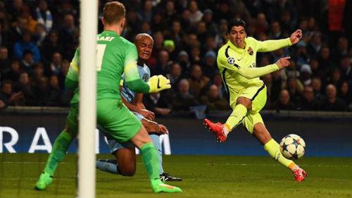 Nóng: Man City chi 100 triệu bảng mua Suarez - 1