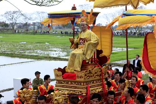 Lễ rước vua sống độc nhất Hà thành - 15