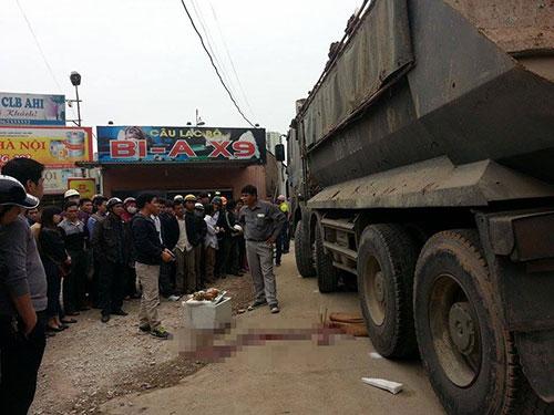 Hà Nội: Bị xe tải cán, nữ sinh tử vong - 1