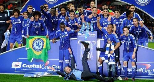 """Lập """"hattrick"""" tại League Cup, Mourinho như trên mây - 1"""