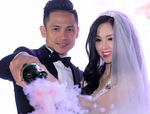 Tâm Tít khoe clip được cầu hôn lãng mạn - 2