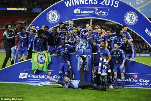 """Chùm ảnh Mourinho: """"Người đặc biệt"""" nhất ở Wembley - 12"""