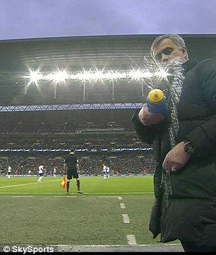 """Chùm ảnh Mourinho: """"Người đặc biệt"""" nhất ở Wembley - 8"""
