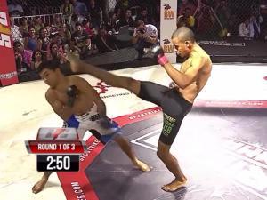 UFC: Knock-out đối thủ ở giây 12 bằng 1 cú đạp