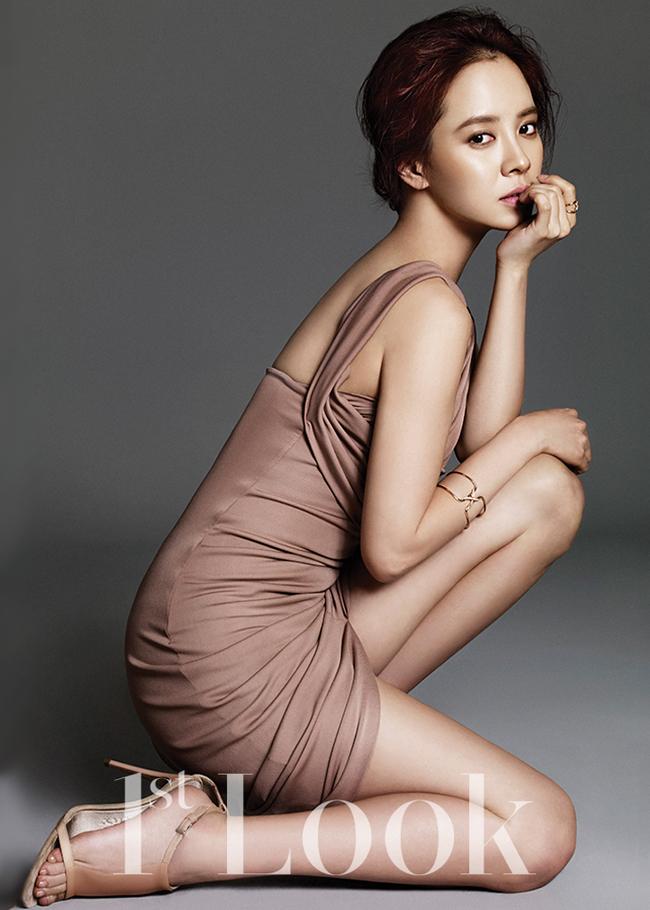 Song Ji Hyo đứng đầu bảng trong cuộc bầu chọn của một công ty truyền thông Trung Quốc với sự giam gia của hơn 20.000 phụ nữ người Trung - Hàn