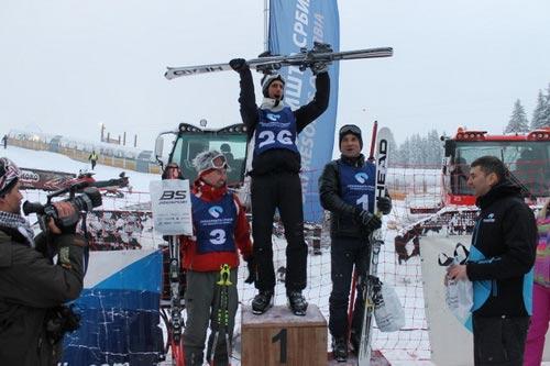 Tiết lộ: Djokovic từng mê trượt tuyết hơn tennis - 1
