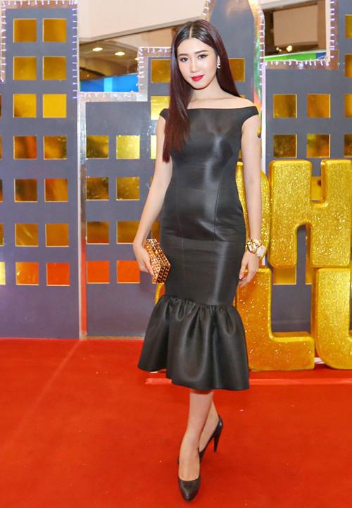 Những chiếc váy bó khiến người đẹp Việt mất điểm - 3