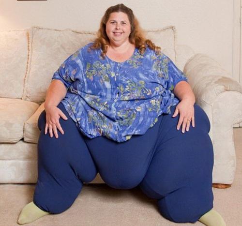 Toát mồ hôi xem clip nàng thừa cân vất vả ngồi dậy - 1