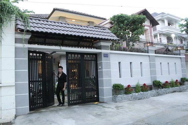 Sao Việt tậu nhà, xế hộp đầu năm - 4