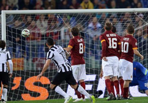 Tiêu điểm Serie A V25: Cân tài nhưng không cân sức - 1