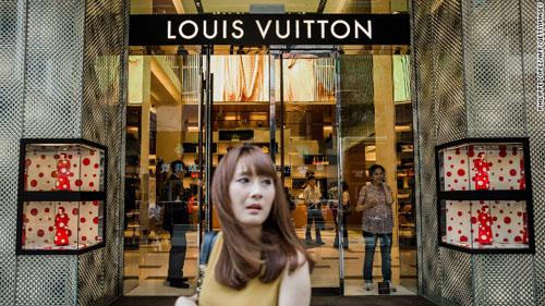 Trung Quốc: Nô nức mặc đồ lót chạy bộ trên phố - 7