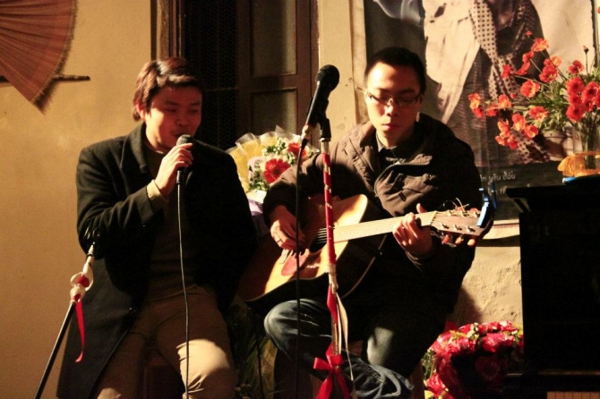Gặp chàng trai dạy guitar gây sốt với nhiều bản nhạc chế - 2