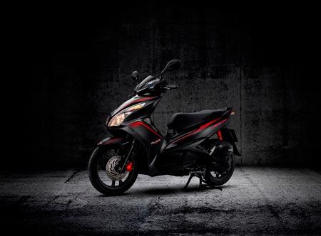 Honda Việt Nam giới thiệu phiên bản Air Blade FI đen sơn mờ - 4