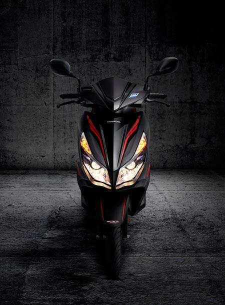 Honda Việt Nam giới thiệu phiên bản Air Blade FI đen sơn mờ - 5