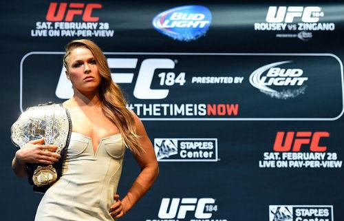 """""""Nữ hoàng"""" UFC được xem Mayweather-Pacquiao miễn phí - 1"""