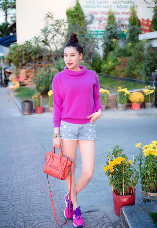 Xuống phố cá tính như cô gái Sài Gòn thích giày bệt - 12