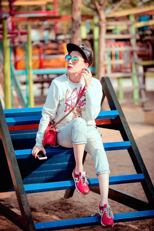 Xuống phố cá tính như cô gái Sài Gòn thích giày bệt - 7