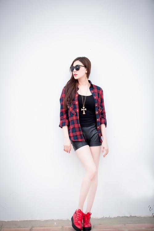 Xuống phố cá tính như cô gái Sài Gòn thích giày bệt - 10