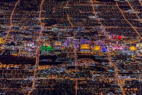 """Ngắm """"thành phố không ngủ"""" Las Vegas từ độ cao 2600 mét - 4"""