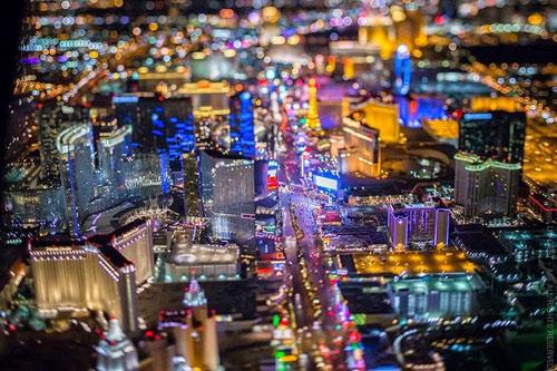 """Ngắm """"thành phố không ngủ"""" Las Vegas từ độ cao 2600 mét - 10"""