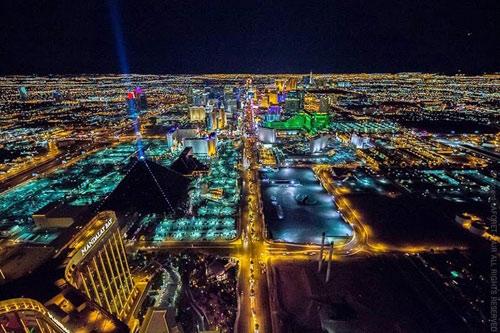 """Ngắm """"thành phố không ngủ"""" Las Vegas từ độ cao 2600 mét - 12"""