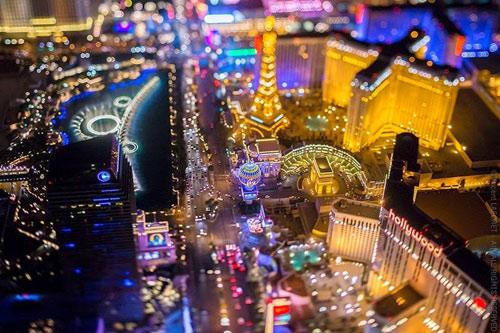 """Ngắm """"thành phố không ngủ"""" Las Vegas từ độ cao 2600 mét - 11"""