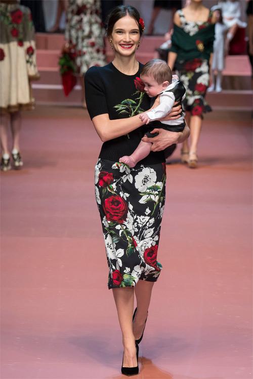 Dolce & Gabbana tôn vinh mẹ trong bộ sưu tập mới - 11