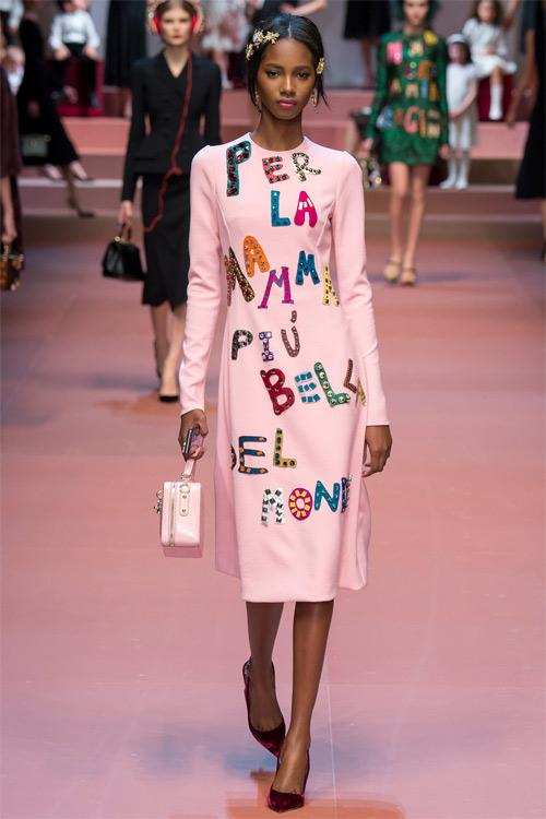 Dolce & Gabbana tôn vinh mẹ trong bộ sưu tập mới - 13