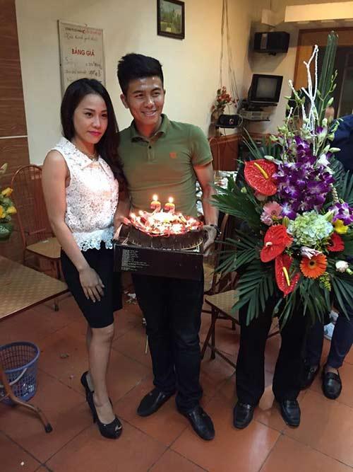 Mạnh Hùng đón sinh nhật bên đàn em Công Phượng ở U23 VN - 4