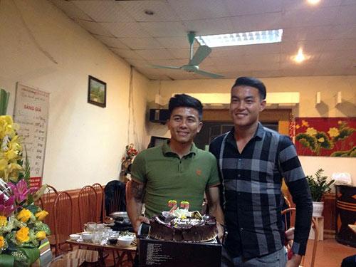 Mạnh Hùng đón sinh nhật bên đàn em Công Phượng ở U23 VN - 6