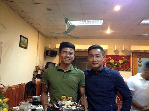 Mạnh Hùng đón sinh nhật bên đàn em Công Phượng ở U23 VN - 7