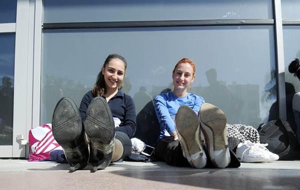 Thiếu nữ Thổ Nhĩ Kỳ thích thú chạy đua trên giày cao gót - 7