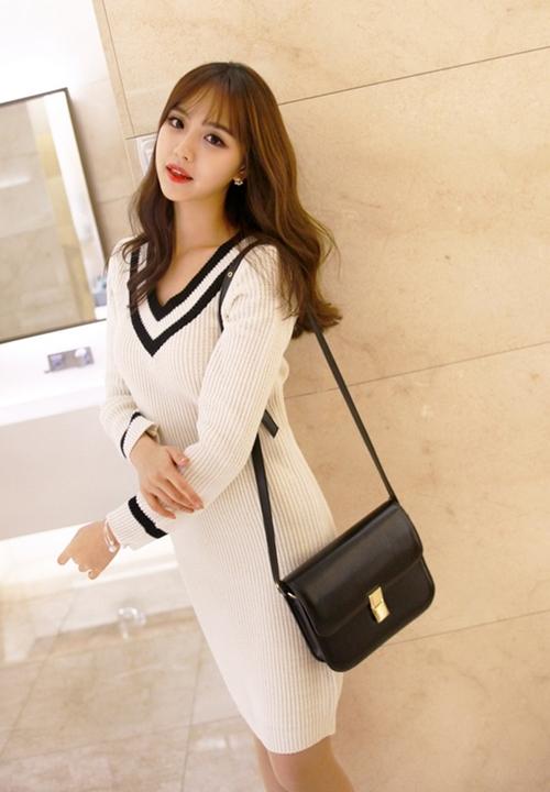 Những mẫu váy công sở trắng đen dễ mặc nhất - 3