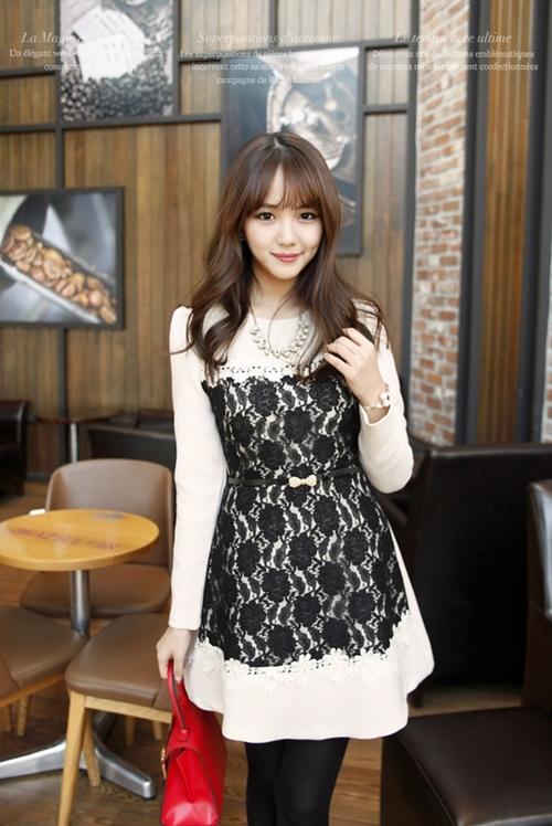 Những mẫu váy công sở trắng đen dễ mặc nhất - 10