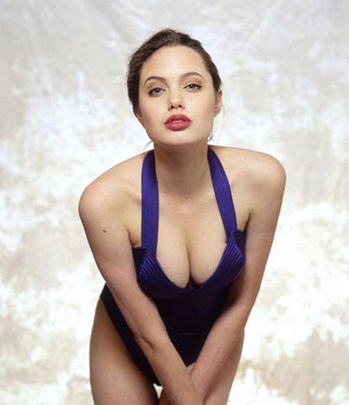 Tiếp tục lộ ảnh khêu gợi tuổi 16 của Angelina Jolie - 7