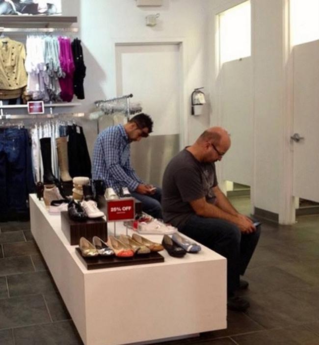 Hài hước với hình ảnh các chàng đợi nàng shopping - 3
