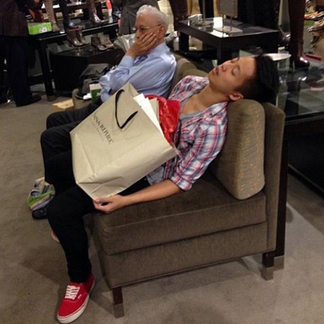 Hài hước với hình ảnh các chàng đợi nàng shopping - 6