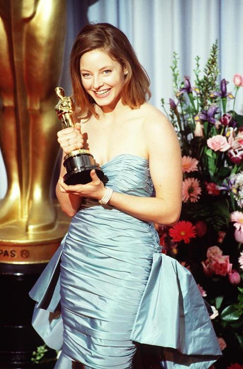 20 bộ váy gây tranh cãi trên thảm đỏ lịch sử Oscar - 6