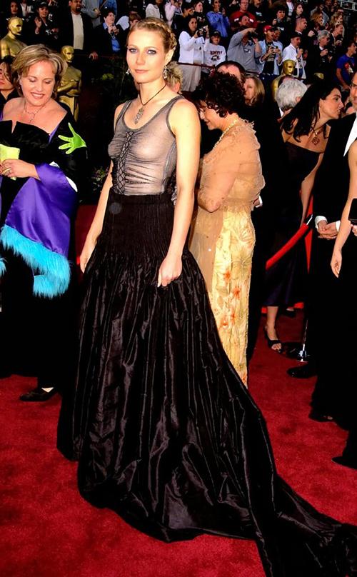 20 bộ váy gây tranh cãi trên thảm đỏ lịch sử Oscar - 8