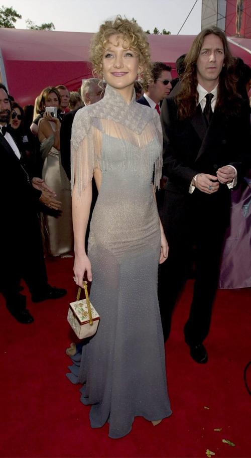20 bộ váy gây tranh cãi trên thảm đỏ lịch sử Oscar - 11