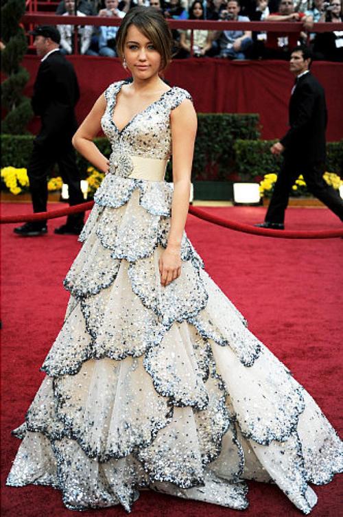 20 bộ váy gây tranh cãi trên thảm đỏ lịch sử Oscar - 9